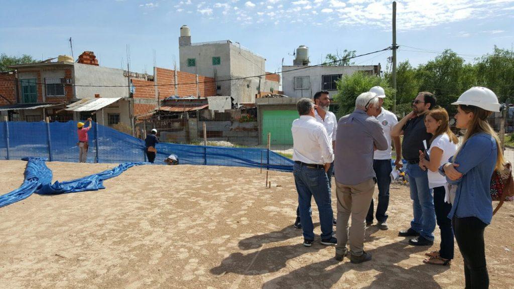 Capelloni en su visita a las obras del maternal de Villa-Hidalgo