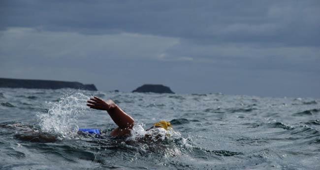 nadador oceánico