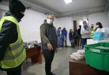 Valenzuela junto a los integrantes del Operativo Frío