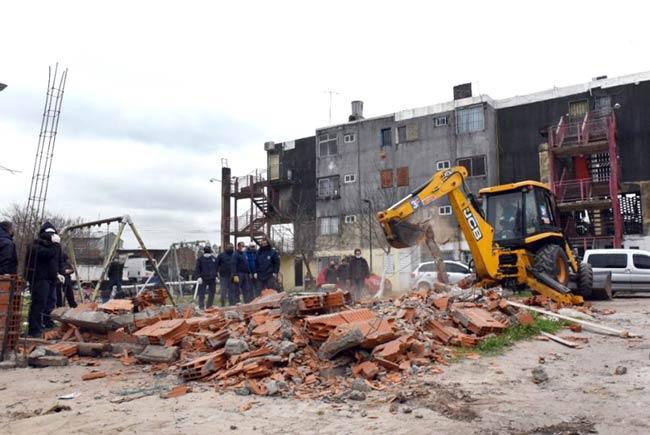 demolicion fuerte apache